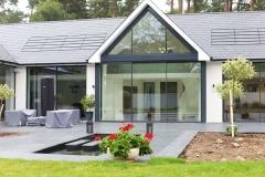 Contemporary new build near Farnham, Surrey